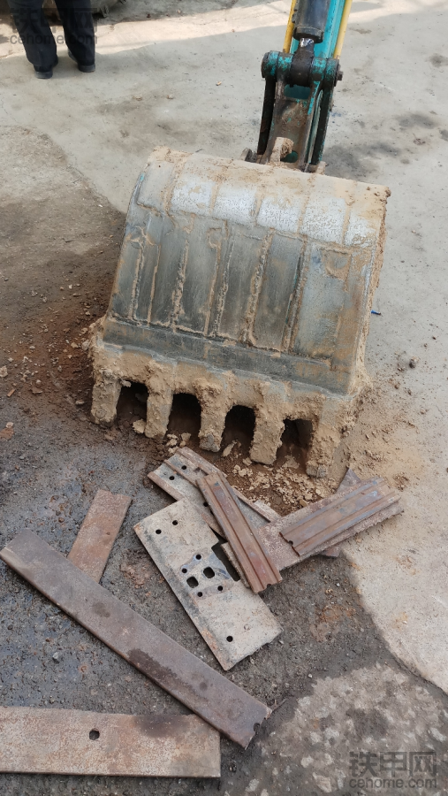 分享挖斗焊铲底你怎么焊接