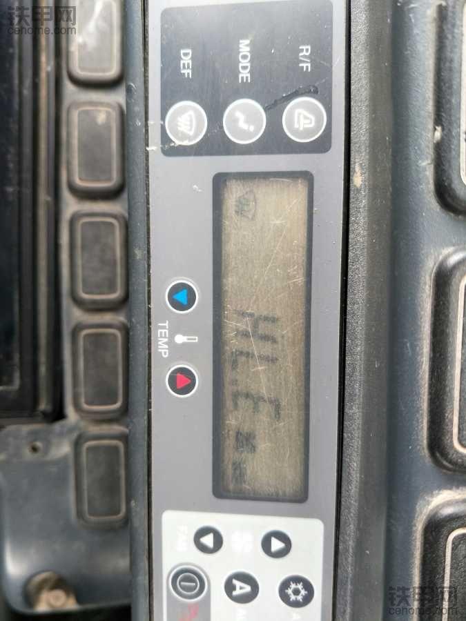 神钢260-8空调故障
