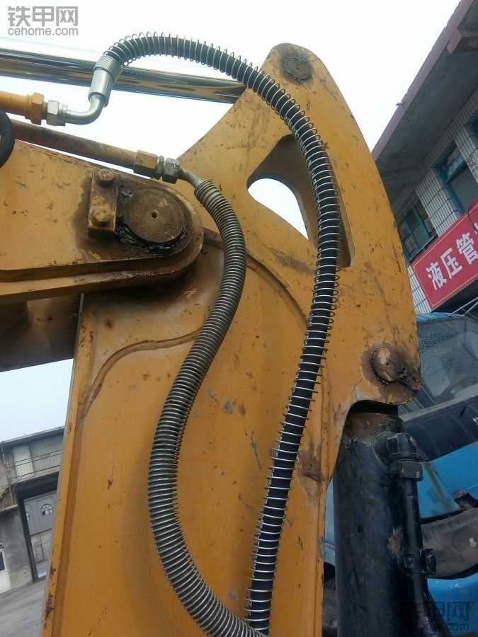 破碎锤管路安装