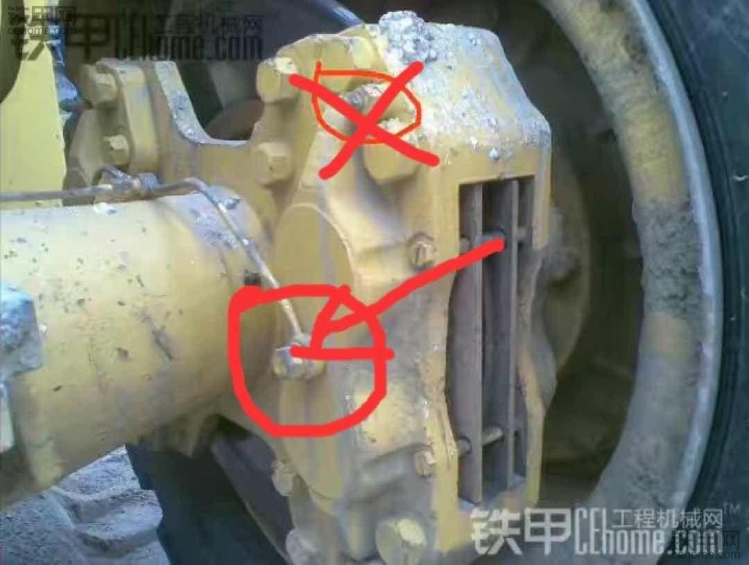 求救刹车卡钳漏油