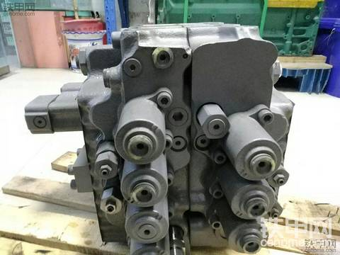 沃尔沃210/240主控阀