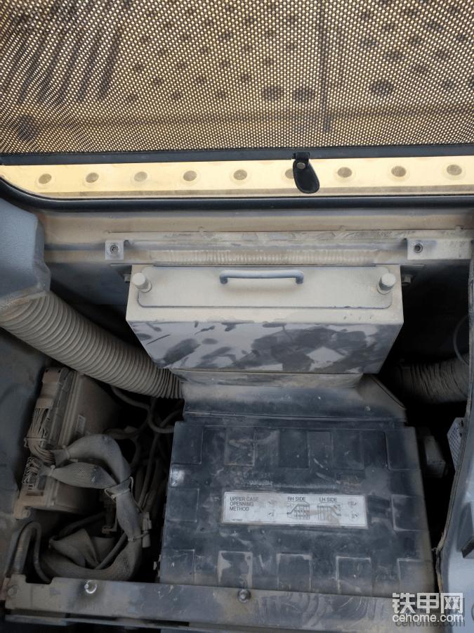 沃尔沃EC360BLC安装铁甲云盒教程