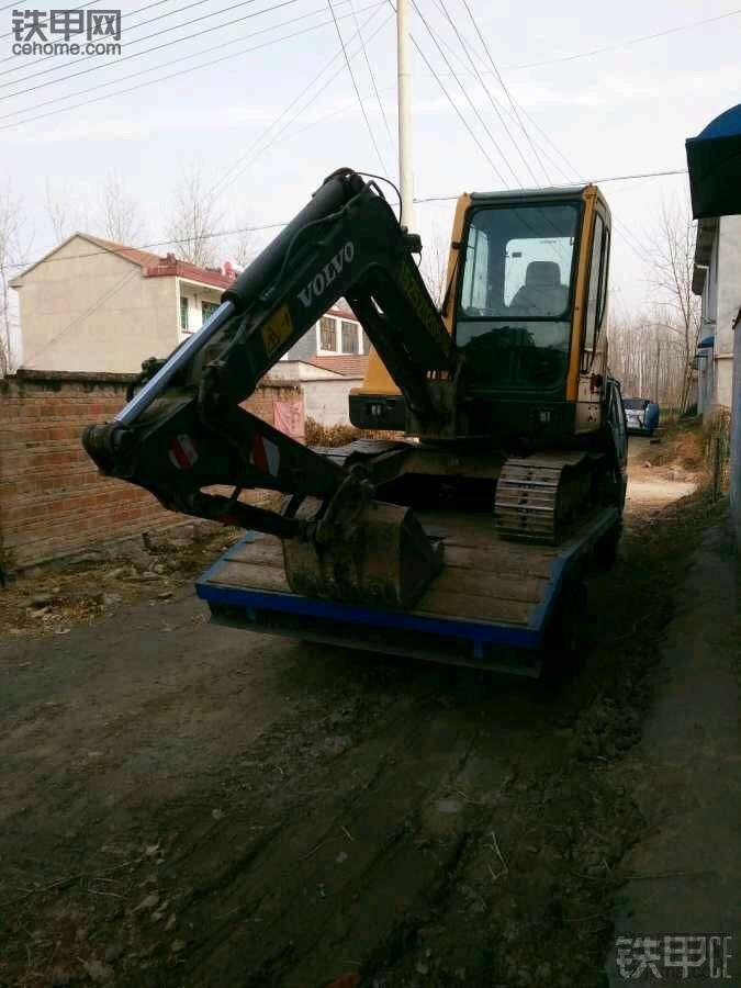卡特306E2小挖开了半年,优点缺点同样突出