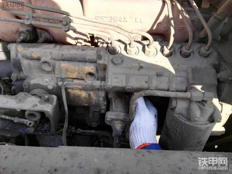 卡特3306(上柴C121)发动机更换柴油泵柱塞