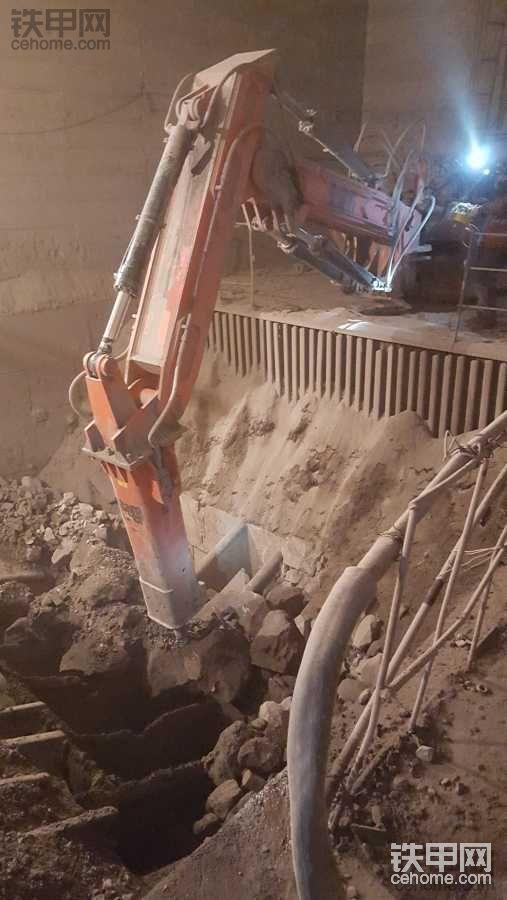 矿山固定式液压碎石机