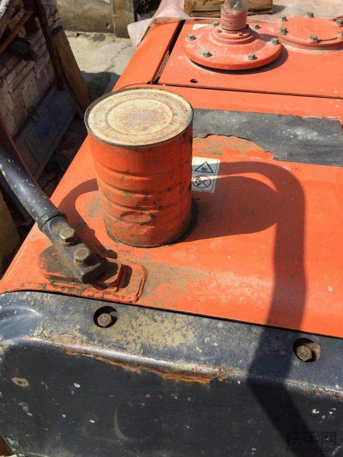 挖掘机加装一个不值钱的玩意儿!少放水!