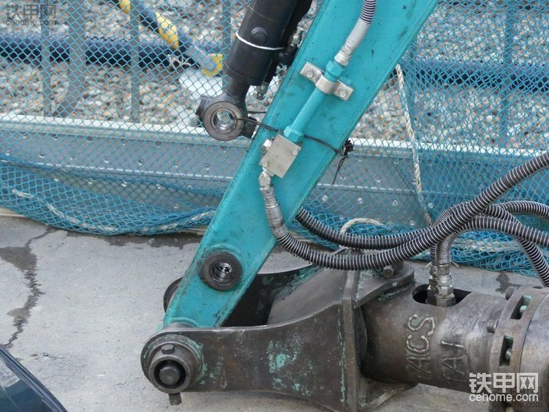 久保田挖掘机装上旋挖钻机