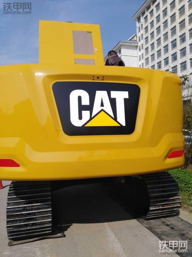 维修旷工一天,给大家讲解我眼里的新款CAT320GC