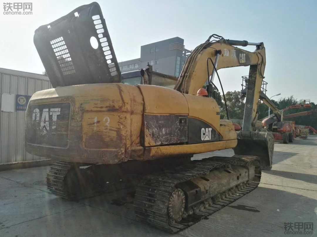 卡特翻新大修,质保一年,比新挖机节省40%左右的成本