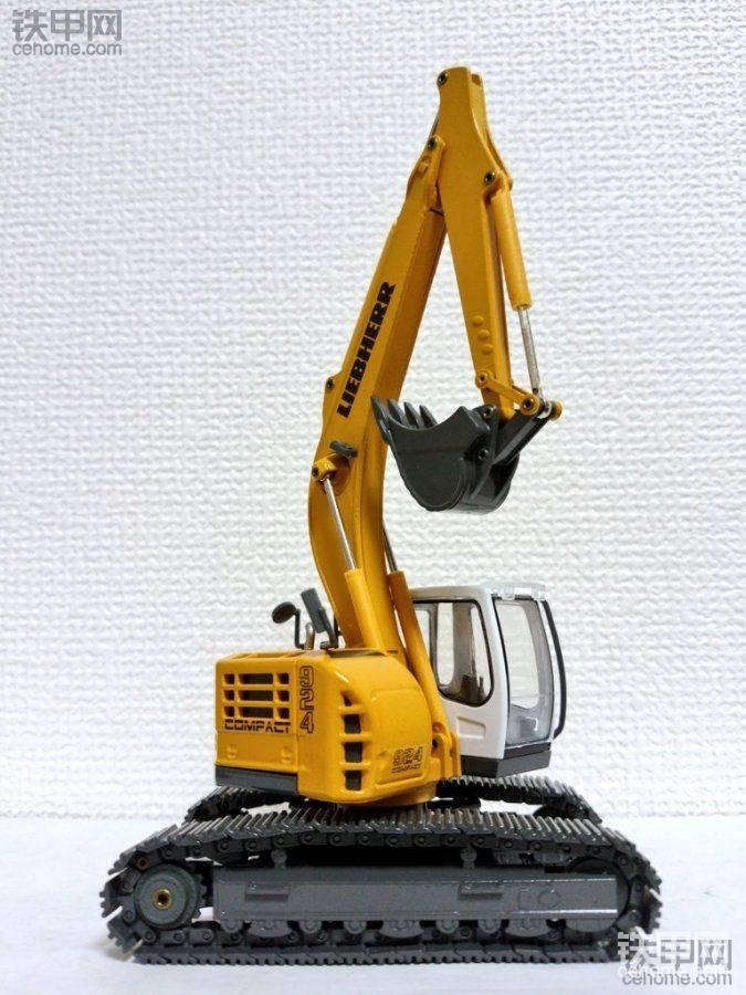 1:50无尾挖掘机模型