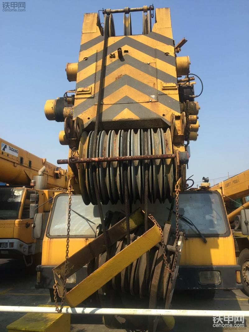 老男人的经典:利勃海尔300吨汽车吊