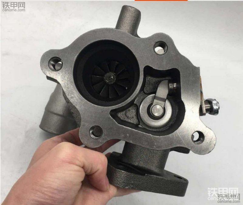 三菱4M40发动机大修