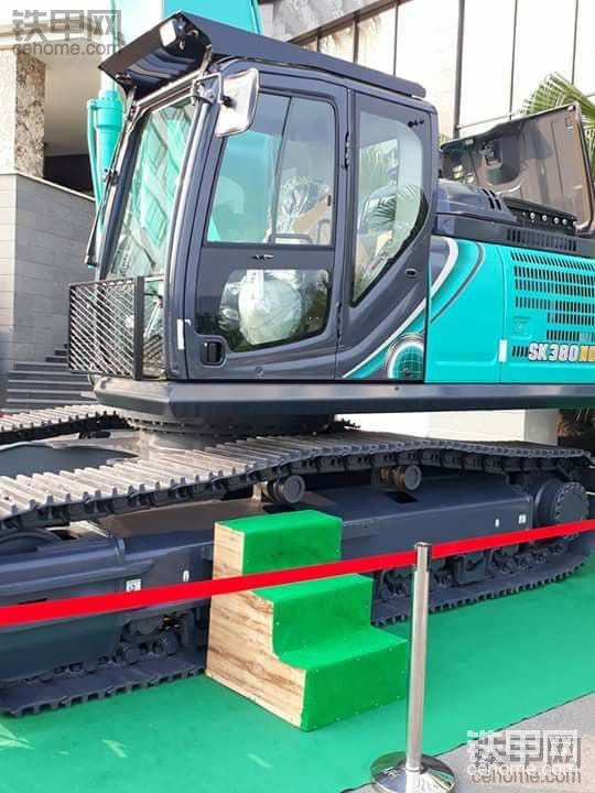 最新神钢SK380XDLC-10挖掘机图片