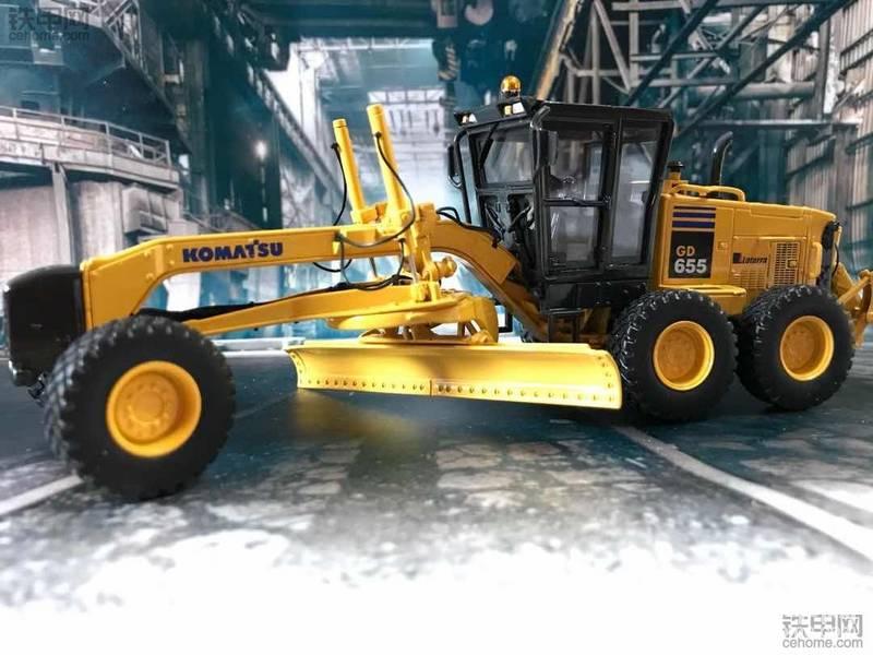 机械小白玩模型(10)十分罕见的小松GD655平地机模型