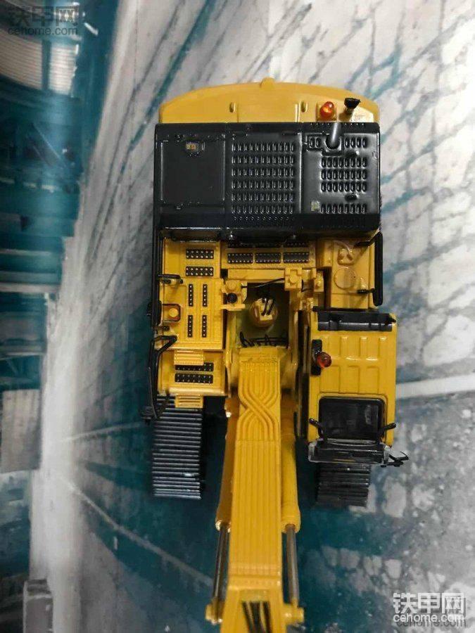 机械小白玩模型(11)不看表面看细节 法国版小松PC490LC-10