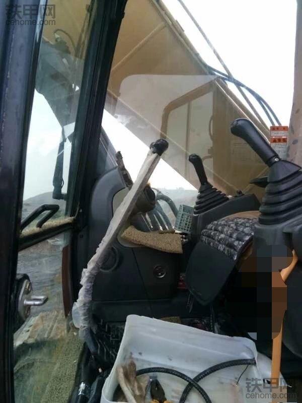 哭死,北流五臺卡特挖掘機的顯示屏和電腦板被偷!-帖子圖片