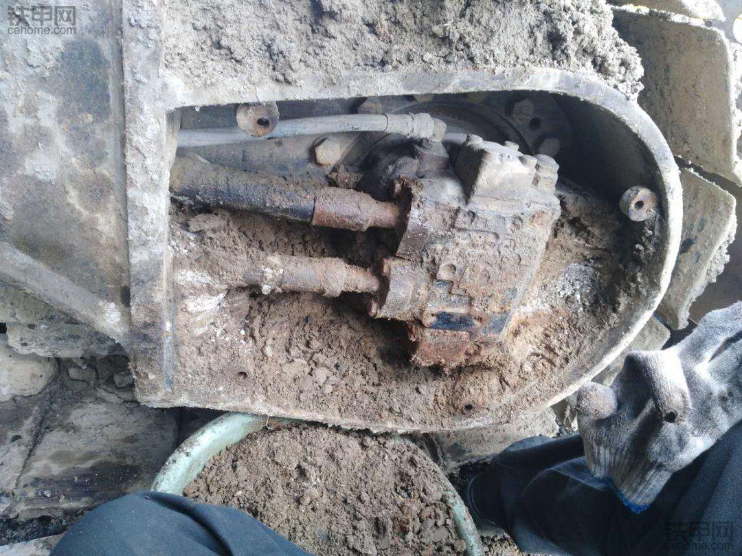 【我的维修故事】卡特320D清洗液压系统(二)