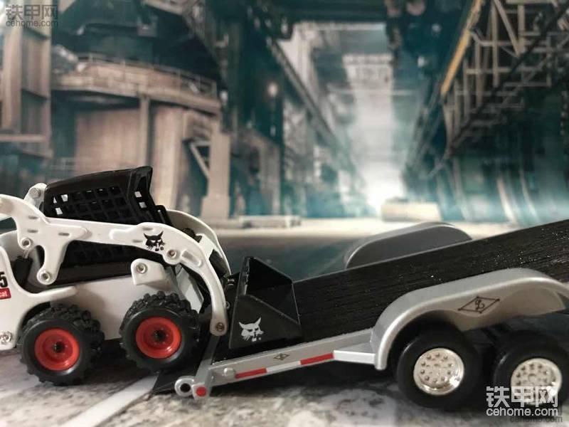 机械小白玩模型(12)不能错过的收藏佳品!山猫滑移装载机+皮卡车+托板组合套装