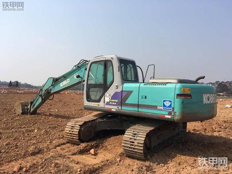 现在20吨挖机真难买 价格一天一个价