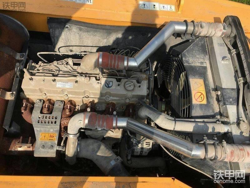 现代 R275LC-9T 二手挖掘机价格 52万 4300小时