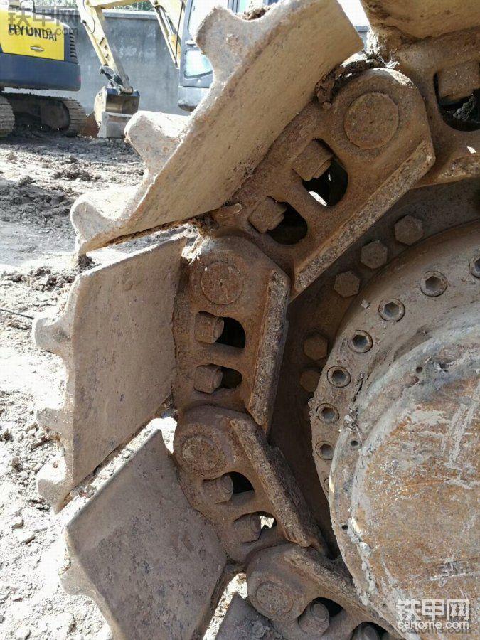 现代 R385LC-9T 二手挖掘机价格 82万 6800小时