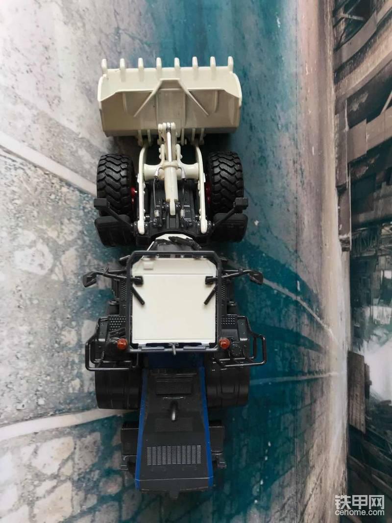 机械小白玩模型(14)当小松WA470装载机遇上德系小清新...