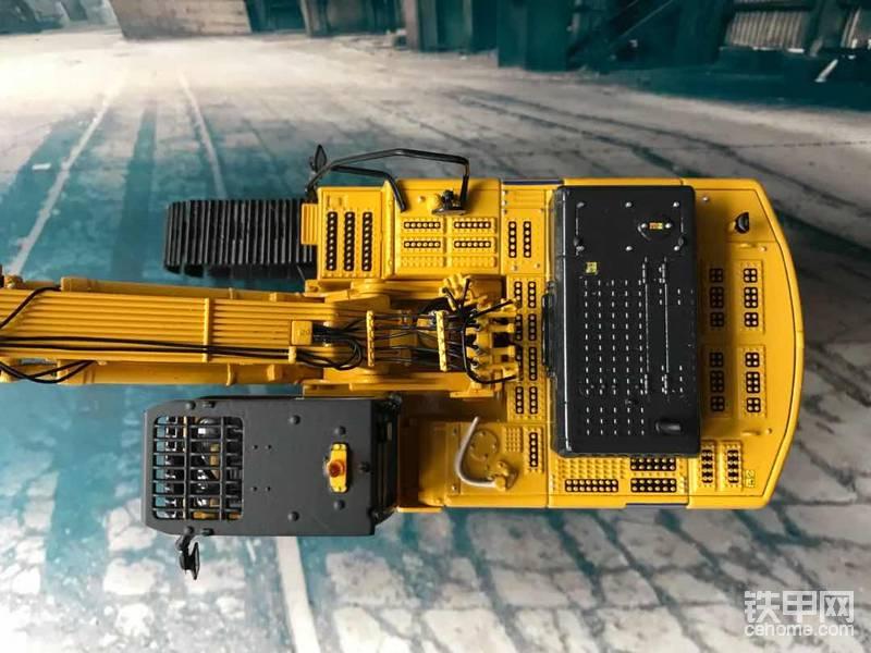"""机械小白玩模型(15)小松发怒真可怕!PC450大臂加长不减做工,驾驶室还能""""抬头"""""""
