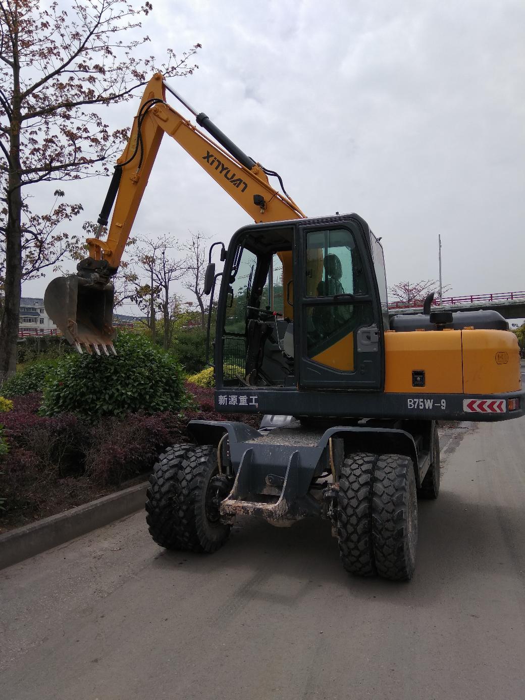 聊聊人生第一台属于自己的挖机——新源B75W-9轮挖