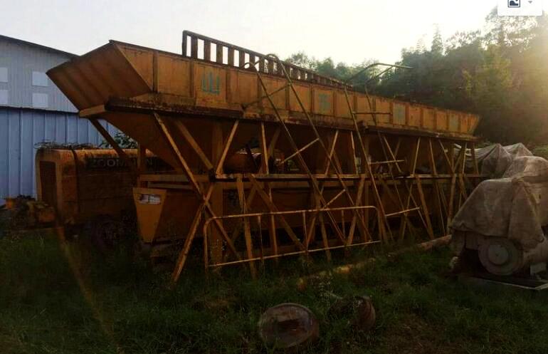 绥德小周谈维修(1)铰接销匡动严重 3台5吨铲车都出现这个问题!