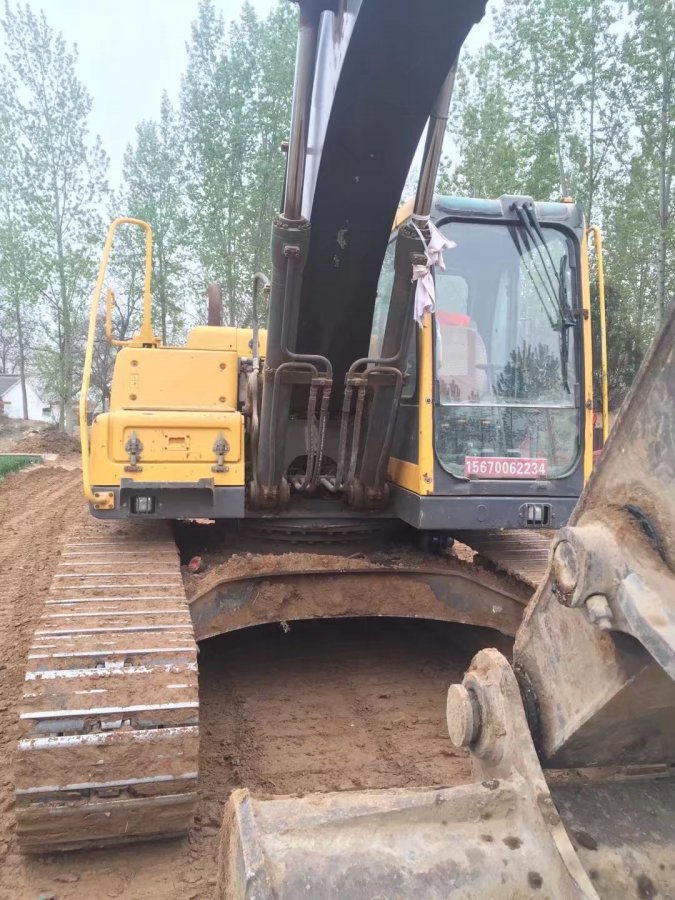 沃尔沃 EC210BLCprime2.9m-stick 二手挖掘机价格 28万 14888小时