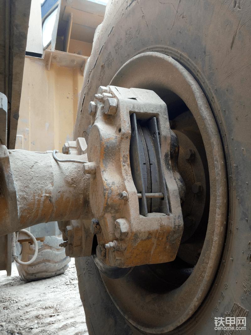 12年铲车司机的日常:底盘维护和检查过程篇