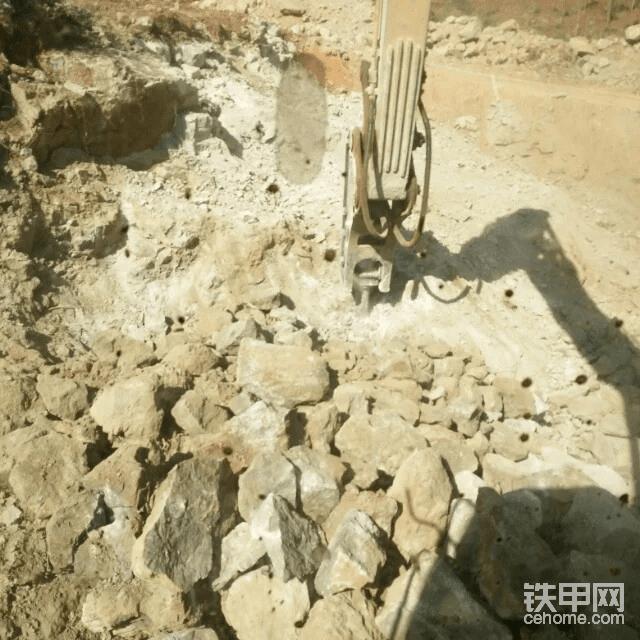 为了看天龙八部,千里迢迢去大理开挖机,遭遇地震……