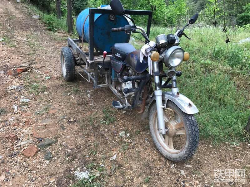 1600元爆改三轮加油车,从此挖机加油不用愁!