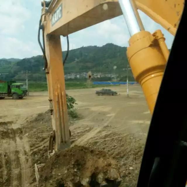 【每日话题】我开过最满意的挖机是加藤,因为保值