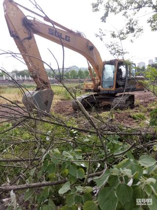 90后小伙入手临工225挖机一个半月使用报告