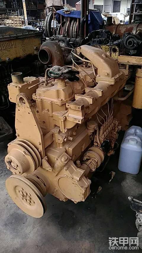有知道小松6D125 發動機的嗎?