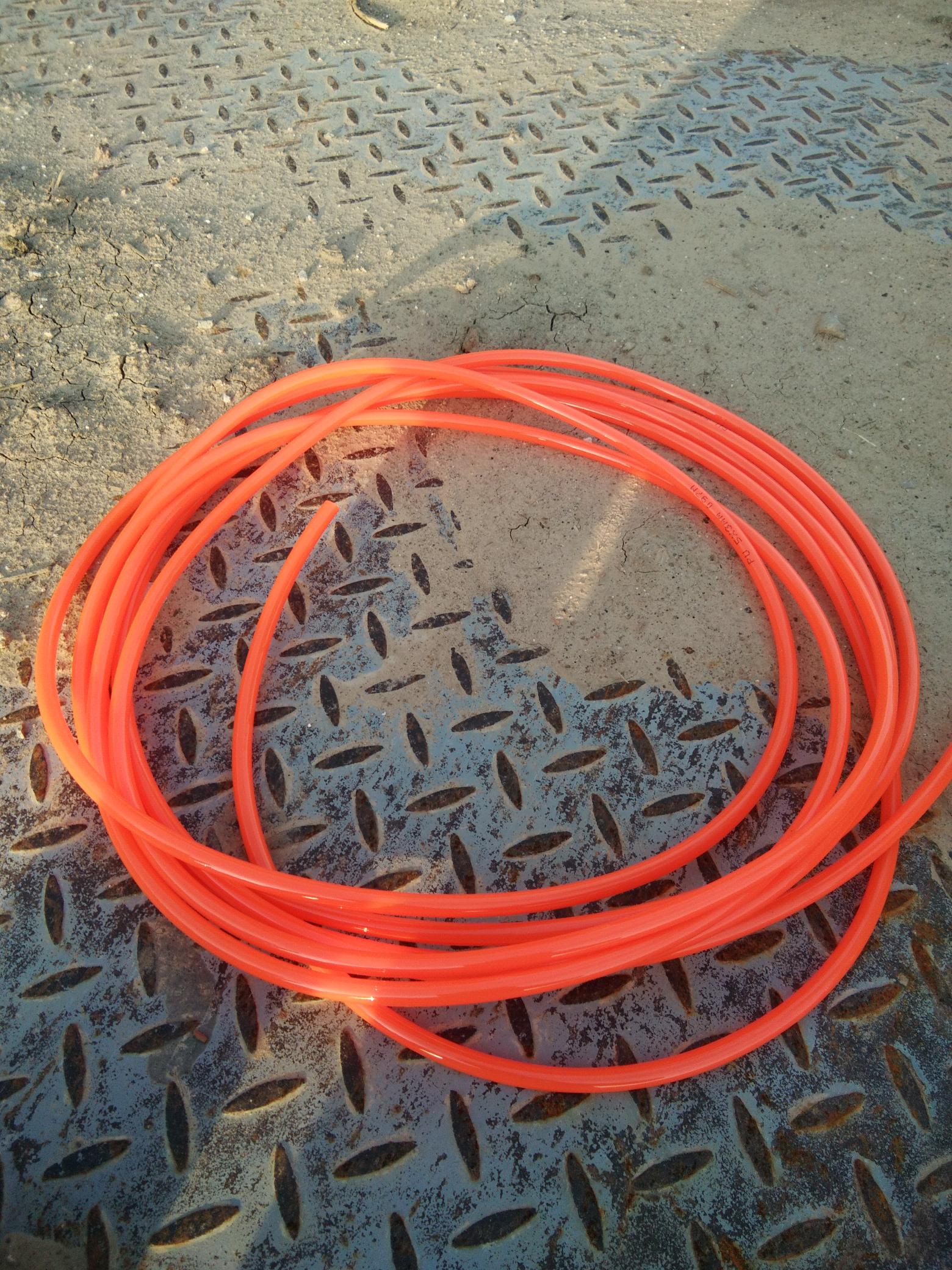 气管子。1,5元一米,买了7米