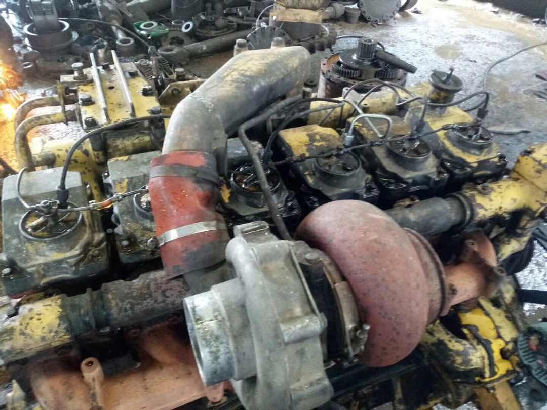 挖机用的小松6D125-1 发动机