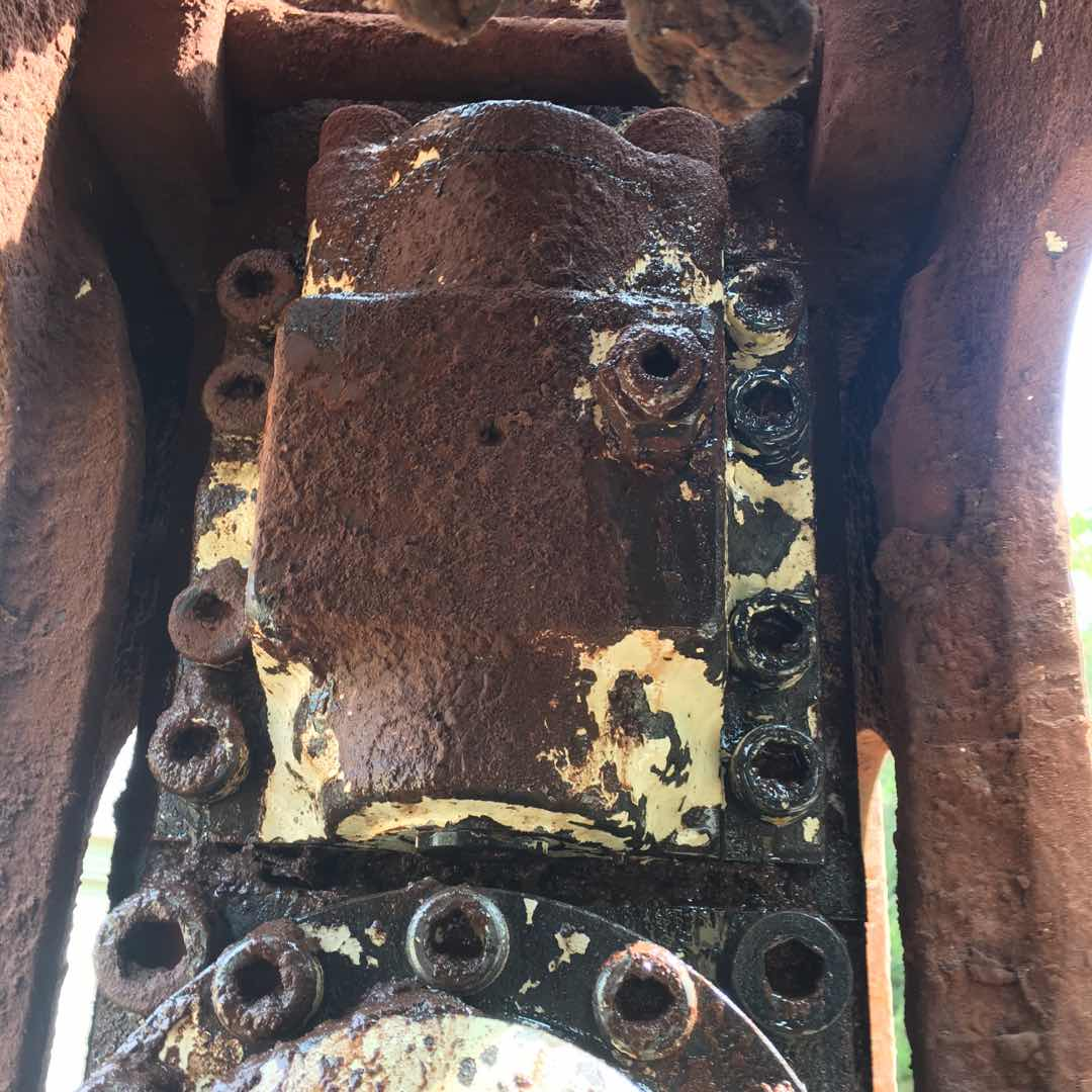 古河破碎锤漏油