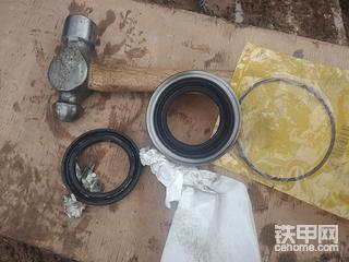 懒人搞维修(1):更换336液压泵轴密封