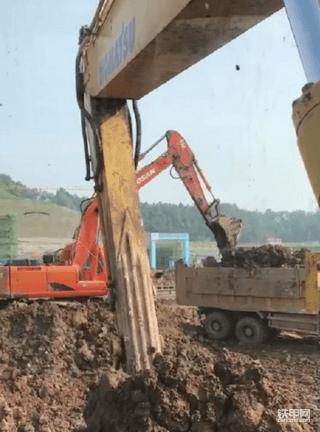 终于等到你!小松240-8挖掘机提车记