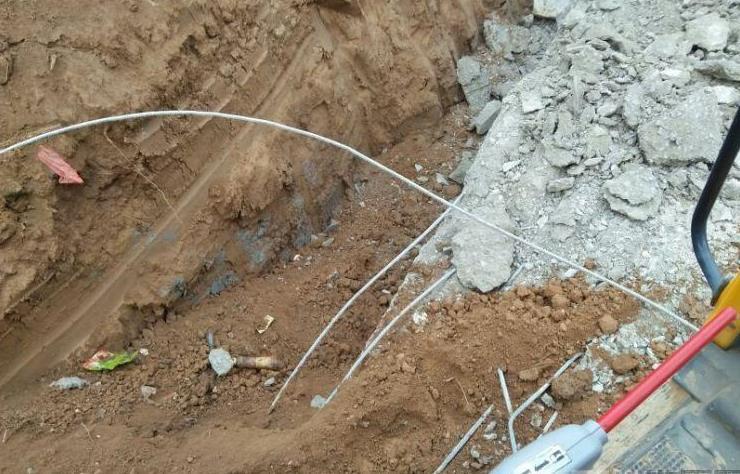 小周挖机路系列(五):开坟地地基,挣了3700块!