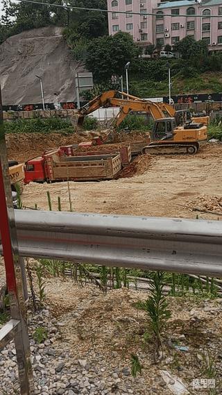 我爱上的第一台大挖机,加藤820使用报告