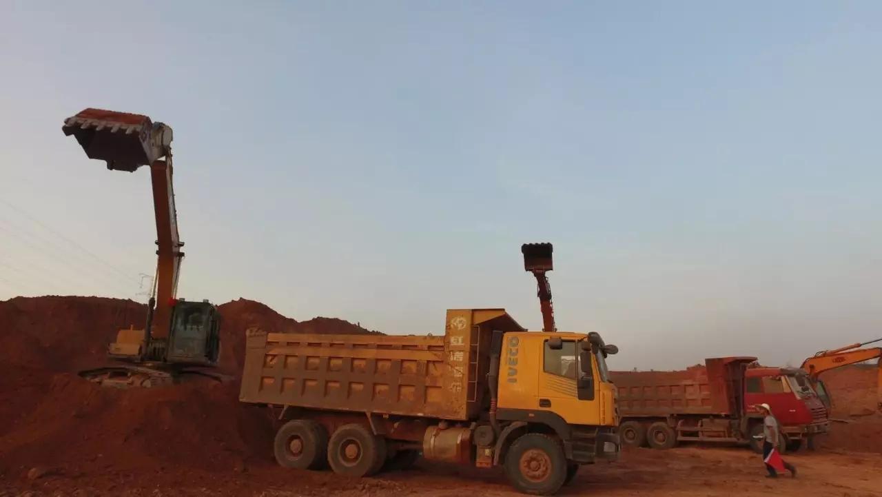 三一215C-9挖机3000小时使用报告