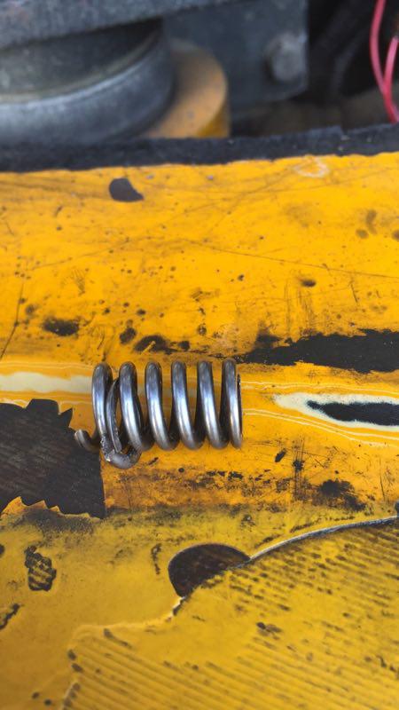 重金买洋马发动机柴油泵上或者拆车件小弹簧