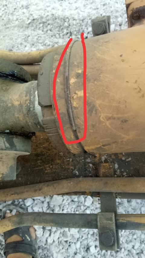 挖机油缸上面这个卡环是干嘛的