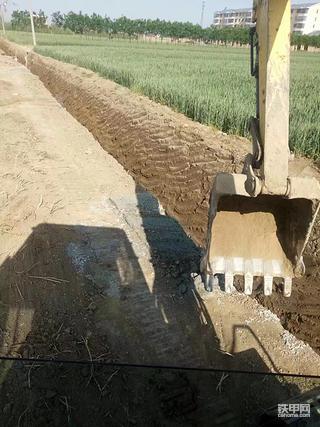 开挖掘机历经波折的这十年(2)