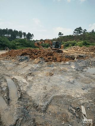 挖塘给了500块,家属非得又要660块,工地村民阻工怎么办?