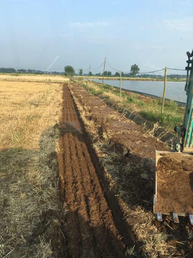 挖沥水沟,第一次干这活