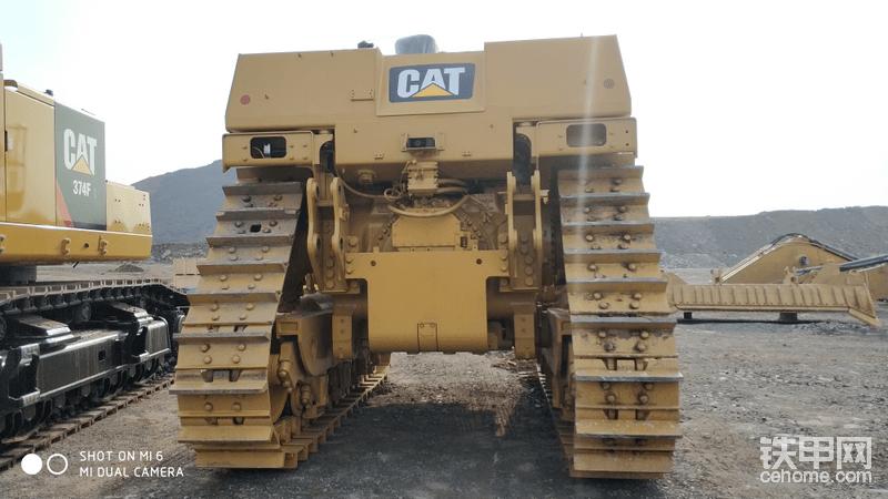 CAT D10T2